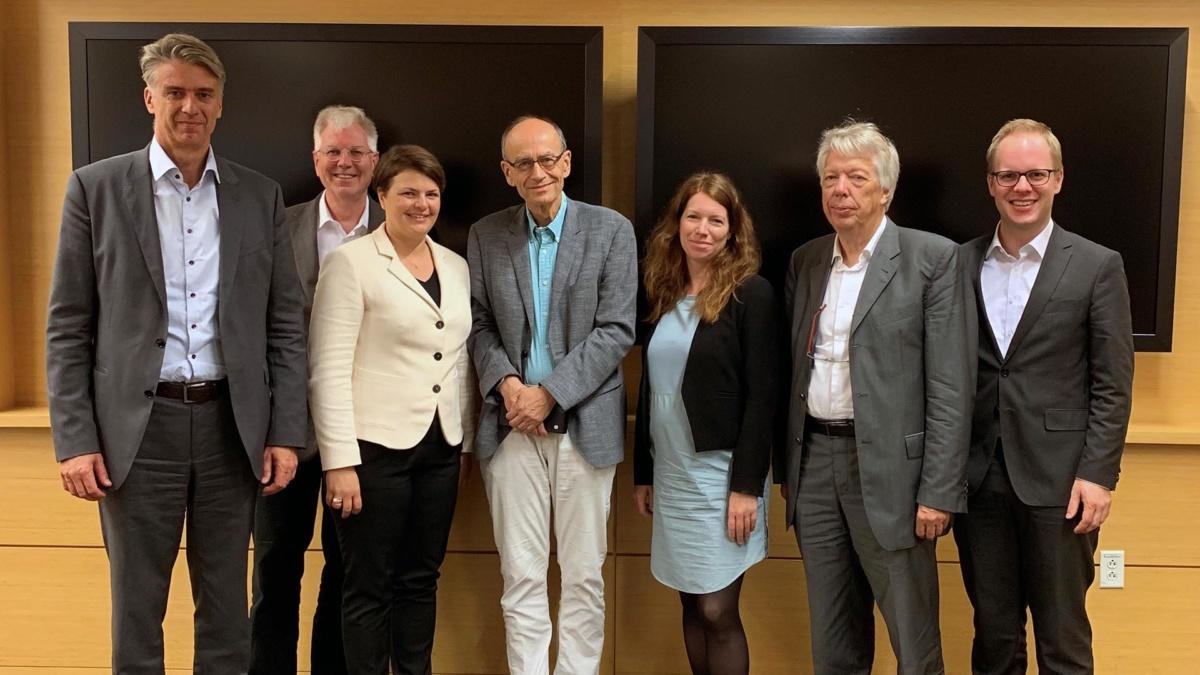 Delegierte des Bundestagsausschusses für Bildung, Forschung und Technologie